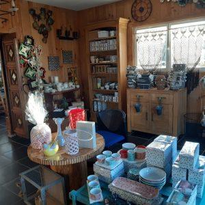 Le coin de la décoration, meubles et vaisselle